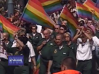 Manchester Lesbian and Gay Pride 2005, the Saturday afternoon parade through the city centre. Click to watch the 400k broadband video